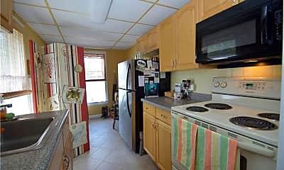 Kitchen, 32 School St 4, 1