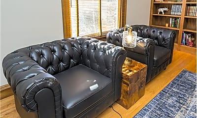 Living Room, 1512 Beechwood Ave, 2