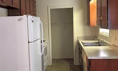 Kitchen, 586 Oakmont Dr, 1