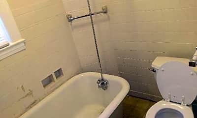 Bathroom, 118 Home Ave, 2