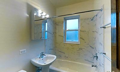 Bathroom, 4901 N Whipple St, 2