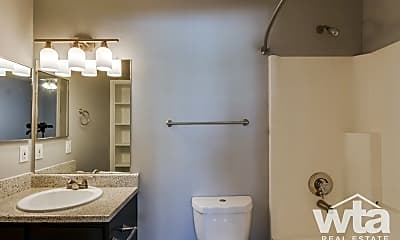 Bathroom, 7935 Pipers Creek, 2