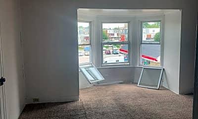 Living Room, 950 W Princess St, 1
