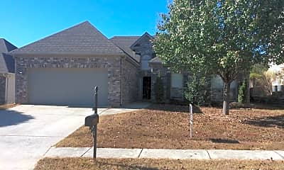 Building, 756 Forest Lakes Dr, 0