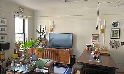 Living Room, 663 Locust St 3E, 1