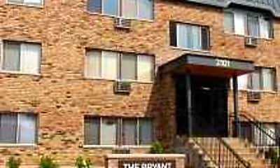 2101 Bryant Avenue South, 0
