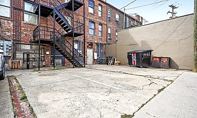 Building, 974 N High St B, 2
