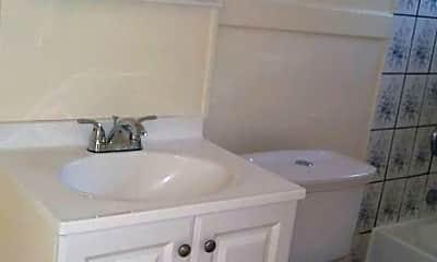 Bathroom, 1141 S Union Ave, 2