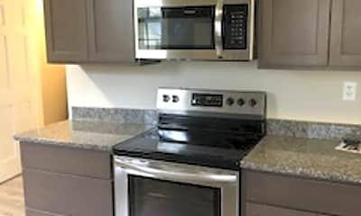 Kitchen, 619 E Franklin St, 1