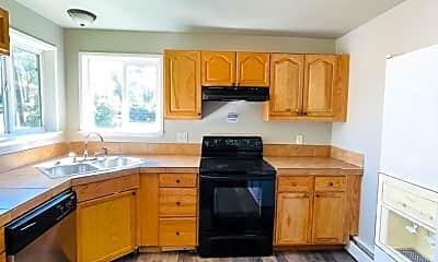 Kitchen, 2528 Tremont St, 0