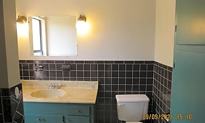 Bathroom, 67 Ray Rd, 2