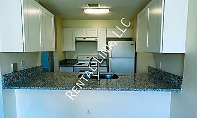 Kitchen, 5270 Cedarbend Drive - 4, 1