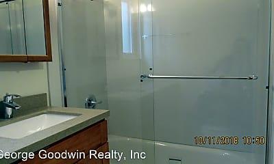 Bathroom, 1800 39th Ave, 2