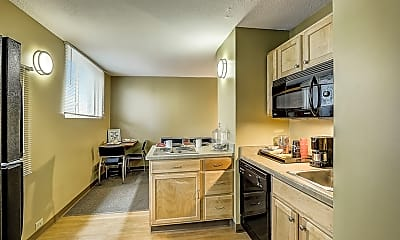 Kitchen, Dwell Towers on State - Per Bed Lease, 1