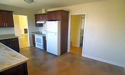 Kitchen, 518 Lassen St, 2