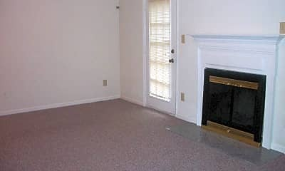 Living Room, 707 Creekside Crescent, 1