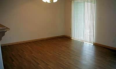 Living Room, 316 E Elcliff Rd, 1