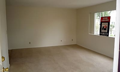 Living Room, 463 Ballantyne Street #37, 2