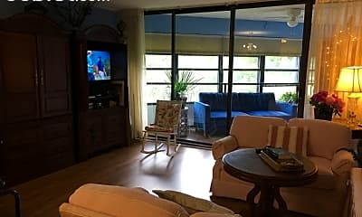 Living Room, 1700 Edgewood Ave S, 2