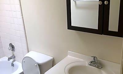 Bathroom, 1110 Mission Rd, 2