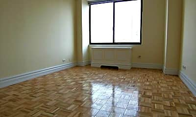 Living Room, 137 W 67th St, 1