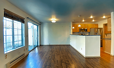 Living Room, 622 122nd Ave NE, 1