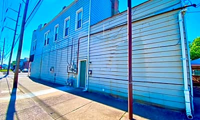 Building, 722 Baker Ave, 1