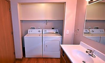 Bathroom, 201 Robbins St, 2