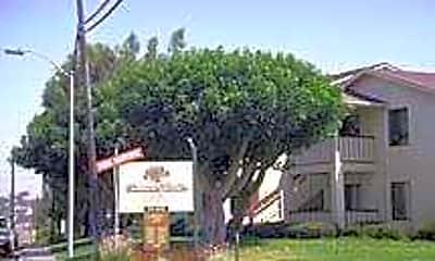 Cinnamon Woods, 2