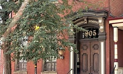 905 Beech Ave, 1