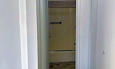 Bathroom, 80 Central St, 2