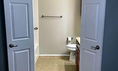 Bathroom, 567 N Walker #22/23, 2