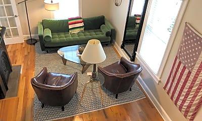 Living Room, 804 Emory St, 2