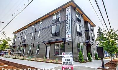 Building, 686 SE Spokane St, 2