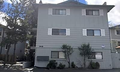 Building, 1421 N Virginia St, 1