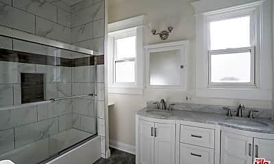 Bathroom, 4051 Normandie Ave BOTTOM, 2