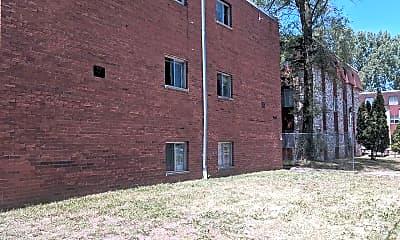 Building, 1067 Van Dyke St, 2