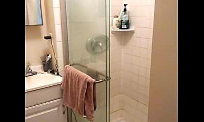 Bathroom, 3204 Guilford Ave, 1