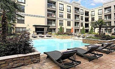 Pool, Metropolitan, 0