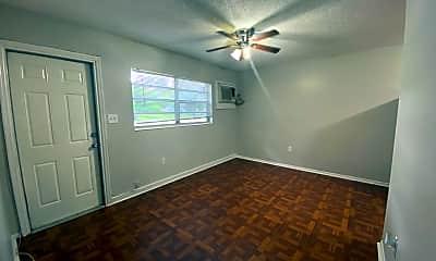 Bedroom, 10014 N Brooks St, 1