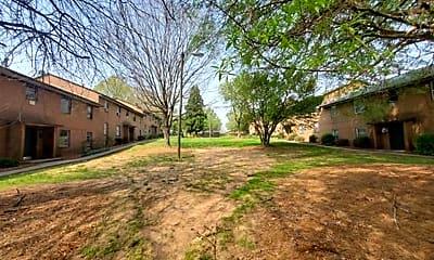 Building, 1332 Gray Ave NE, 1