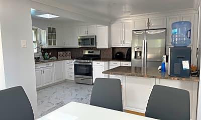 Kitchen, 15 Larchwood Ave, 1