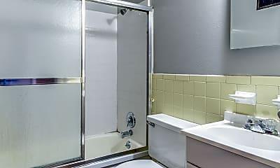 Bathroom, 3100 Arsenal St, 2