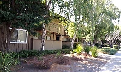 Moffett Manor, 0