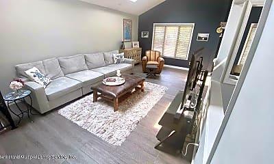 Living Room, 56 N Railroad St, 1