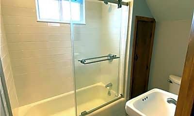 Bathroom, 44 Foster St 2, 2