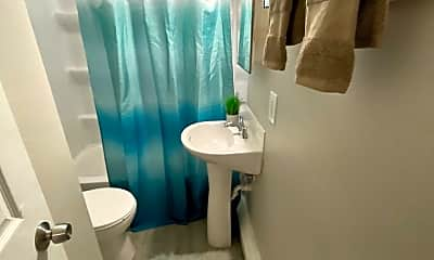 Bathroom, 1300 E Seneca Ave, 2