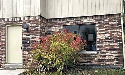 Building, 8811 W Mitchell St, 0