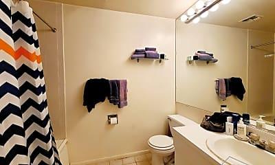 Bathroom, 324 Bergen St, 2