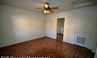 Bedroom, 1034 W Elm St, 1